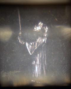 Foto eines epidiaskopisch verzerrten Ritterbildes von EVA