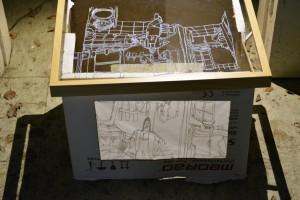 Sezierte Zeichnung von Jenni Tietze auf Glasscheibe und als Lichtbild