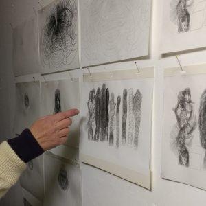 Jenni Tietze zeigt Zeichnungen aus ihrem Filmprojekt Alice.