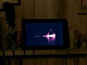 Digitaler Bilderrahmen in Holzschrank mit Loop von Sabine Höpfner