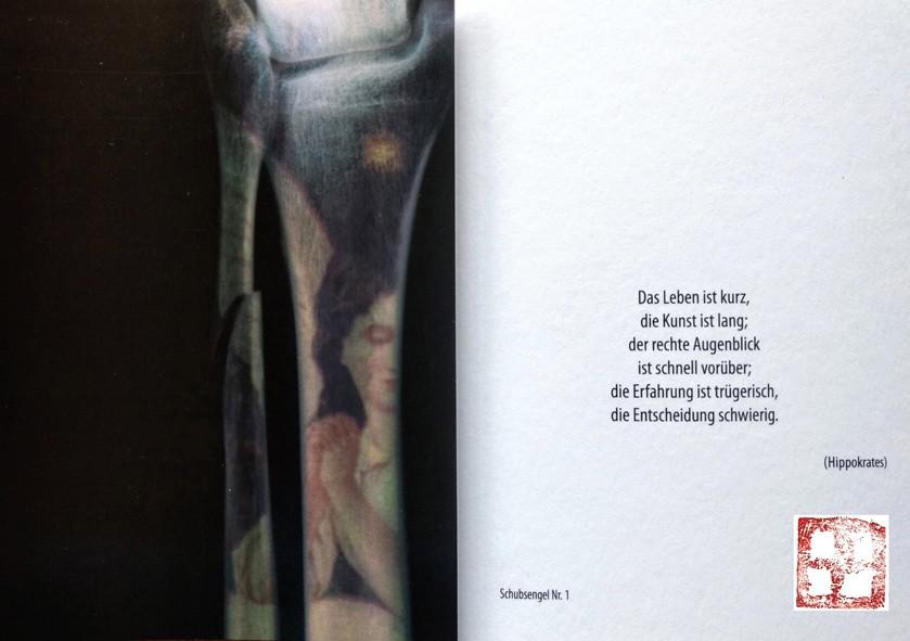 Vorder- und Rückseite einer Schubsengel-Postkarte der Hamburger Künstlerin EVA